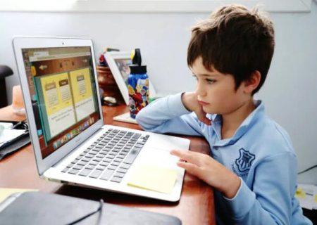 کلاسهای طولانی آنلاین کودکان را خسته میکند